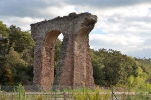 reste de l Acqueduc Mons :Fréjus vers Malpasset
